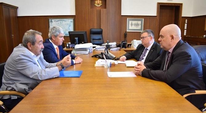 Сотир Цацаров и Иван Гешев се срещнаха с ръководството на КНСБ