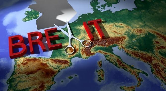 В момента Брекзит без сделка е най-вероятен, прогнозира Жан-Ив Льо Дриан