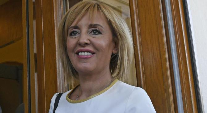 Днес Инициативен граждански комитет ще издигне кандидатурата на Мая Манолова за кмет на София