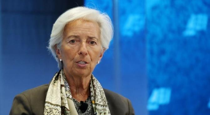 Лагард защити пред ЕП стимулиращата политика на ЕЦБ