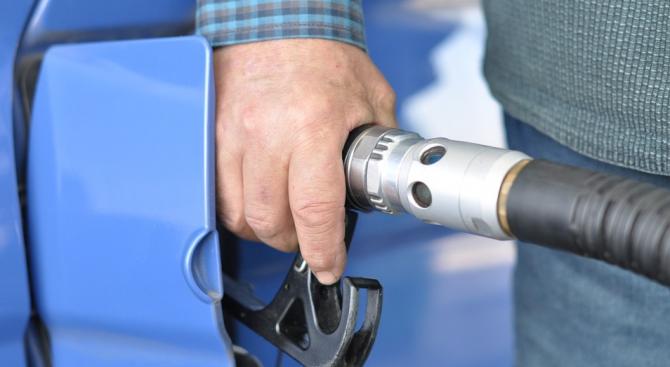 Пореден шофьор си зареди гориво и избяга от бензиностанция