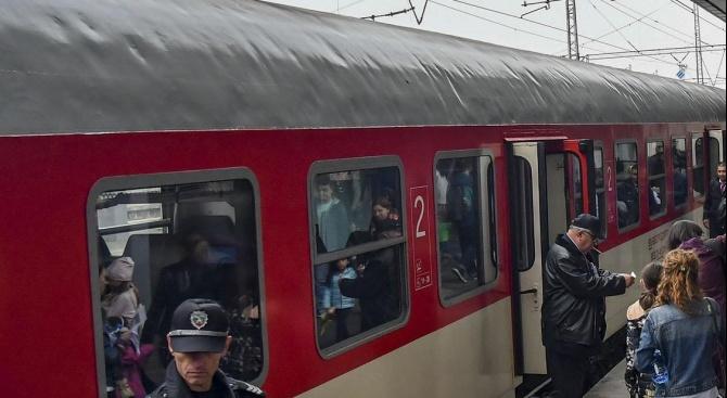 БДЖ пуска около 7 000 допълнителни места във влаковете