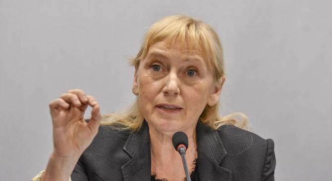 Елена Йончева от Брюксел: В България се изгражда авторитарна власт