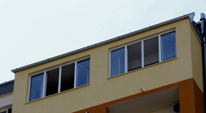 Мъж падна от осмия етаж на жилищен блок в Хасково