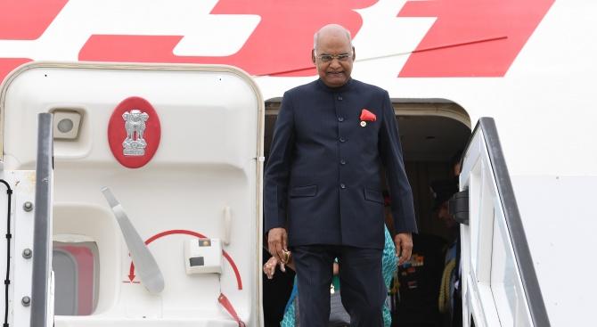 Пакистан отказа да отвори въздушното си пространство за самолета на индийския президент