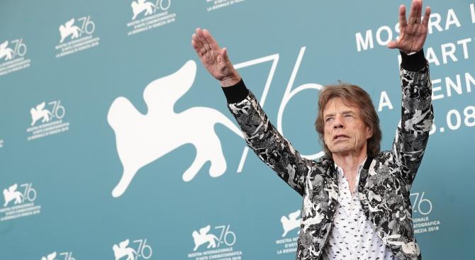 Екоактивисти окупираха кинофестивала във Венеция
