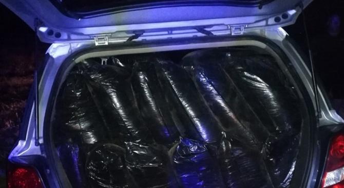Намериха близо 400 кг контрабанден тютюн при проверка на автомобил