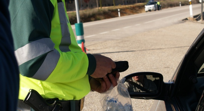 Пиян шофьор помете мотопедист в Хасково