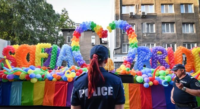 Волен Сидеров ще иска забрана на гей парада
