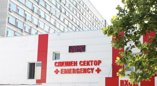 Дете е с черепно-мозъчна травма след падане от втория етаж на блок в Пловдив