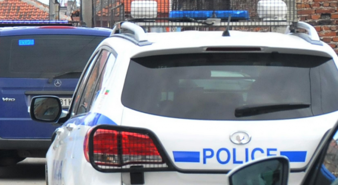 45-годишен заплаши жена си с убийство и я преби
