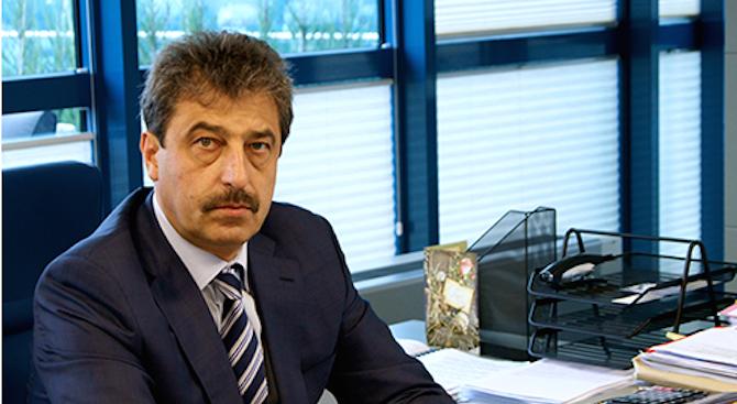 Адвокатът на Цветан Василев отхвърли връзка на банкера с шпионския скандал