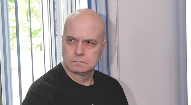 Слави Трифонов: 32 български партии упорито отказват да върнат доброволно надвзетите партийни субсидии