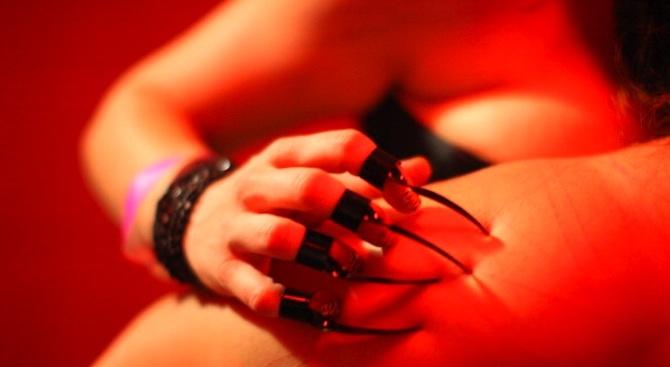 Инфаркт по време на секс в командировка е трудова злополука, постанови френски съд