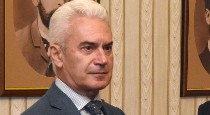 """ПП """"Атака"""" подкрепя кандидатурата на Фандъкова за кмет на София"""