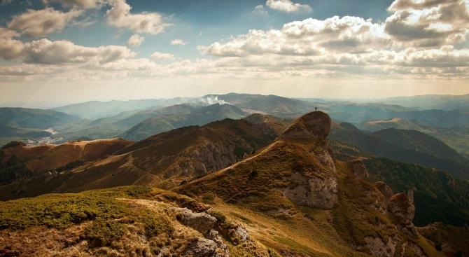 Силен вятър духа във високите части на планините