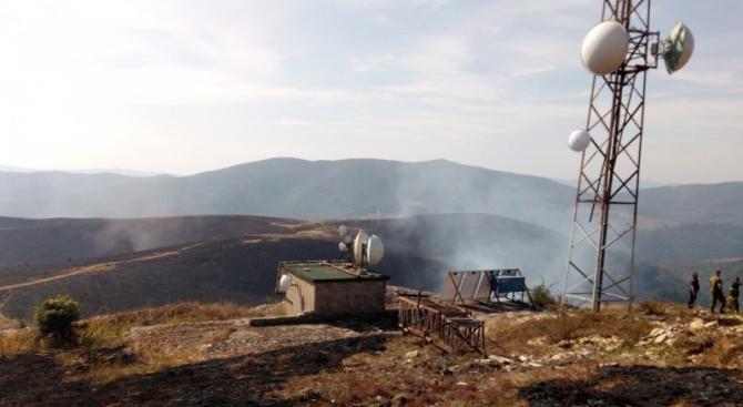 Хеликоптер се включи в гасенето на пожара край Котел