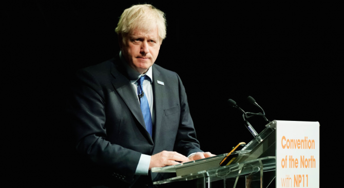 Унгарският външен министър нарече Борис Джонсън отличен политик