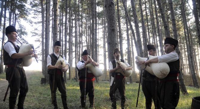 В село Стойките започна Вторият национален събор на гайдарите