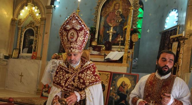 Арменците в Бургас отбелязват храмовия празник на църквата си