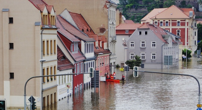 Стотици хора бяха евакуирани заради наводненията в Югоизточна Испания
