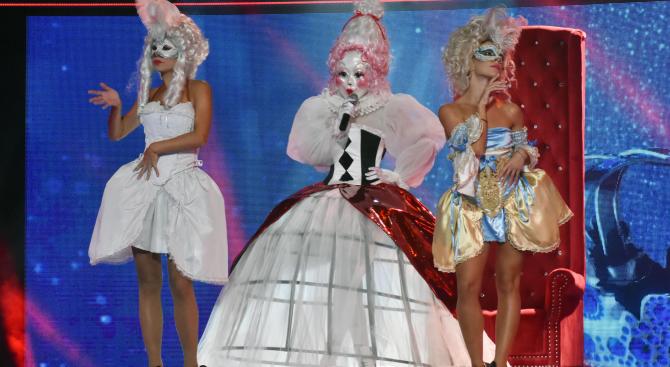 """Алисия е една от най-зорко пазените участнички в """"Маскираният певец"""""""