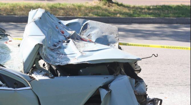 Пиян тийнейджър катастрофира и рани пътник