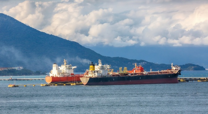 Саудитска Арабия възстанови доставките на петрол