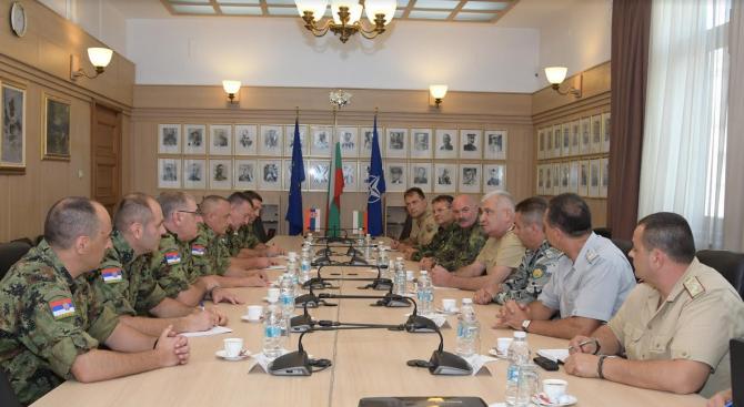 Ген. Боцев се срещна с командира на Сухопътните войски на Сърбия