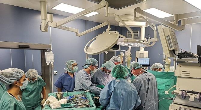 Специалисти от ВМА трансплантираха черен дроб на млад мъж