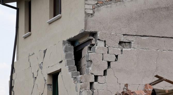 Най-малко двама са ранени при земетресението в Албания