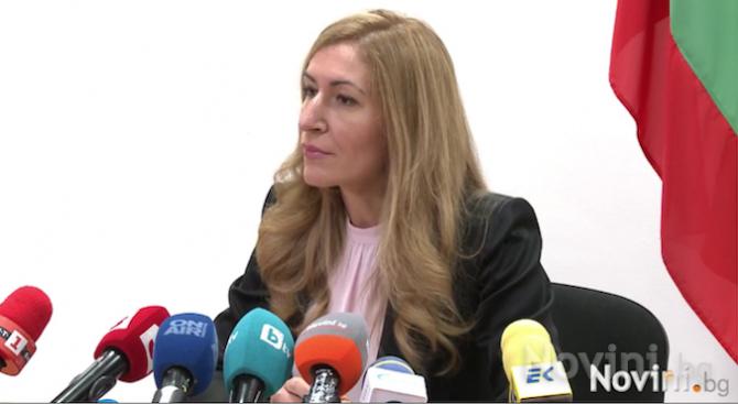 """Ангелкова с подробности за последствията от фалита на """"Томас Кук"""""""