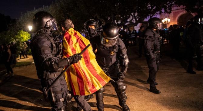 Обвиниха в бунт и тероризъм задържанив Каталуния сепаратисти