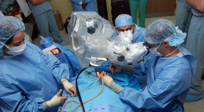 12 топ хирурзи от света ще споделят опита си в България