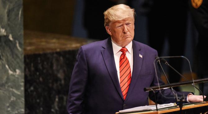 Тръмп за искането за импийчмънт срещу него: Мисля, че е смешно, че е лов на вещици
