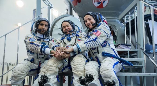 В космоса полетя първият астронавт от ОАЕ