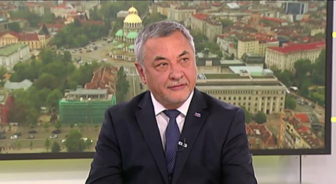 Валери Симеонов: Борисов махна Цветанов заради Доган