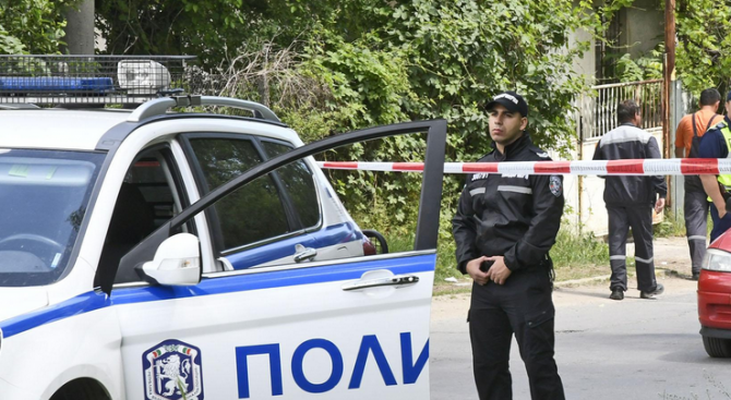 Все още не е открито оръжието на убийството в село Котленци