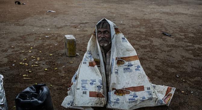 Проливните дъждове в Северна Индия отнеха живота на 120 души