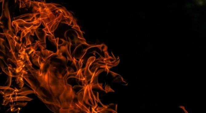 Късо съединение подпали магазин в голям търговски център