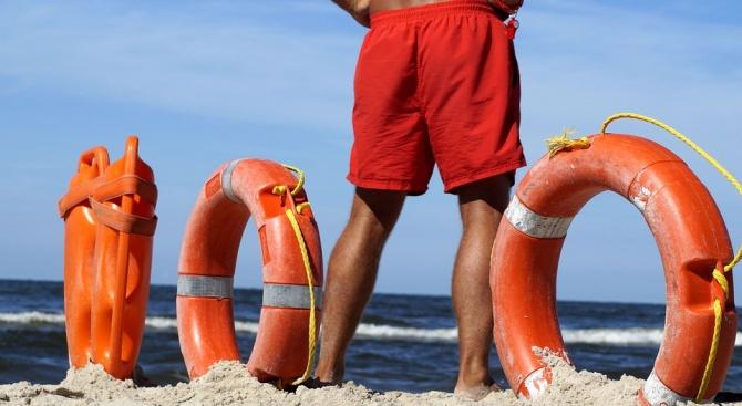 Плажът в Слънчев бряг остава без спасители от утре