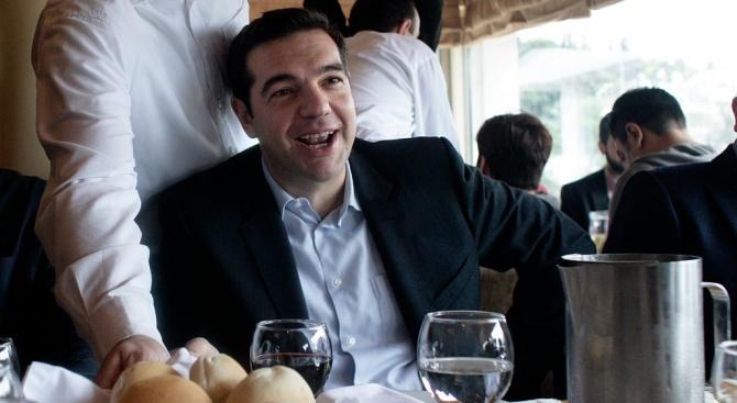 Заев и Ципрас: ЕС да даде зелена светлина на преговорите със Северна Македония