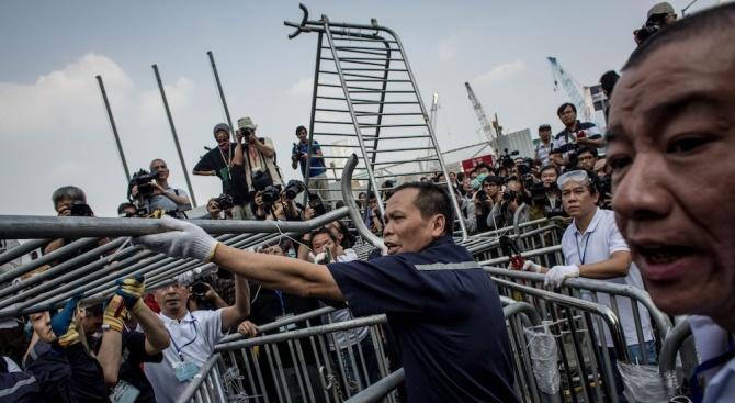 Гардиън: Протестите в Хонконг помрачиха парада в Пекин