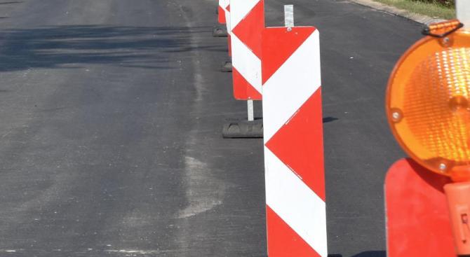 Продължават текущите ремонти на уличната мрежа в Ямбол