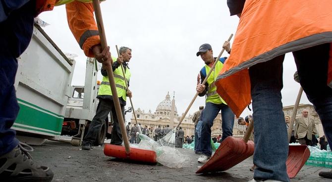 Рим се сблъсква с нова криза с боклука