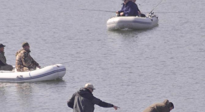 Инспектори от ИАРА задържаха бракониери след преследване