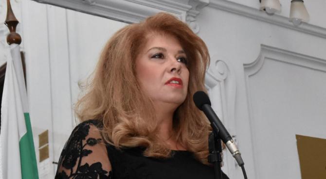 Илияна Йотова ще бъде на посещение в Казахстан за среща с българската общност
