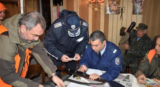 Служители на сектор КОС инструктираха ръководителите на ловни дружинки
