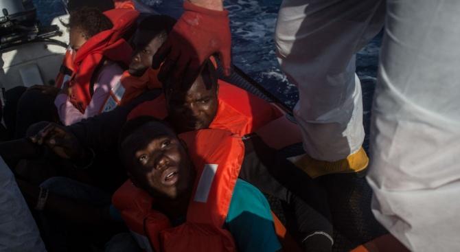 9 души са загинали в потъналия мигрантски кораб край Лампедуза