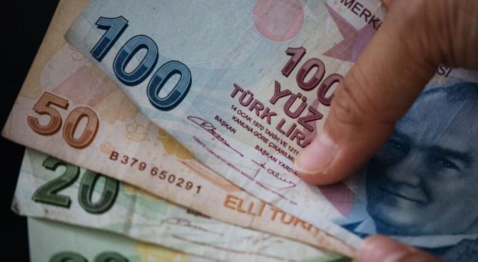 Опасенията относно военни операции в Сирия водят до поевтиняване на турската лира